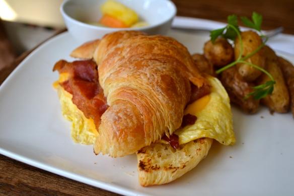 Yogur Story Breakfast Croissant