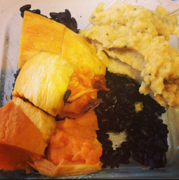 Sweet potato and black rice with hummus